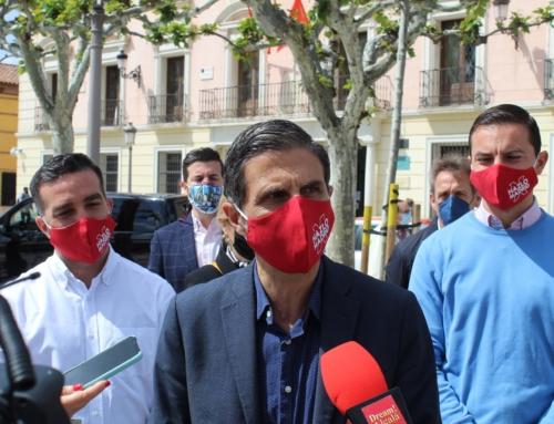 """Juan Lobato y Francisco Polo visitan Alcalá y piden el voto para Gabilondo y """"un gobierno serio que apueste por la digitalización y la modernización"""""""