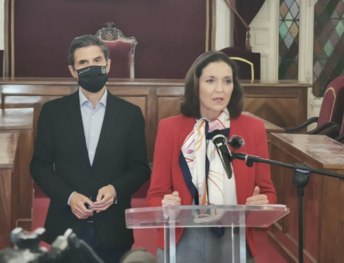 """Reyes Maroto en Alcalá De Henares: """"Hoy soy yo, pero podemos ser cualquiera: están atentando contra la democracia""""."""